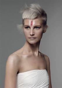 Coupes Cheveux Courts Femme : tendance coiffure 2017 les coupes courtes et androgynes ~ Melissatoandfro.com Idées de Décoration
