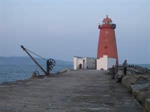south bull wall poolbeg lighthouse poolbeg lighthouse and the end of the 169 doug cc by sa 2 0 geograph ireland