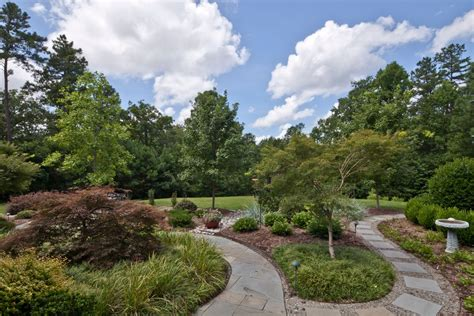 the 5 most majestic lawns in durham nc fall 2016