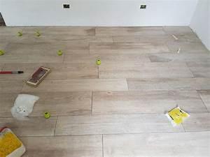Pavimento gres porcellanato effetto legno Como Di Napoli Ceramiche