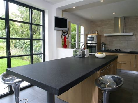 table de cuisine plan de travail plan de travail cuisine granit noir et table centrale