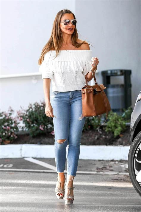 Sofia Vergara Wears Ripped Skinny Jeans The Jeans Blog