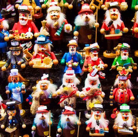 edinburgh the traditional german christmas market 2011