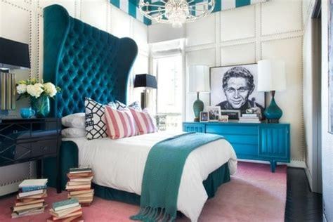 chambre en bleu 1001 idées pour une chambre bleu canard pétrole et paon