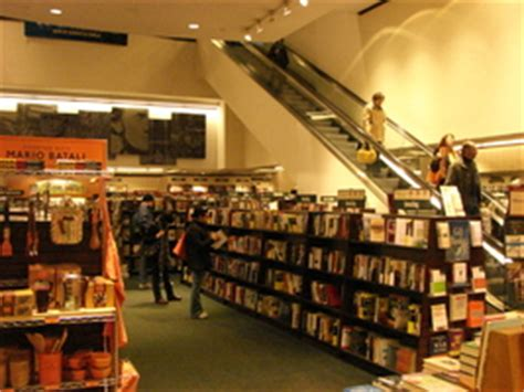 barnes and noble seattle barnes noble booksellers downtown seattle in seattle