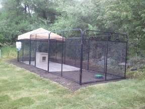 Outdoor Dog Kennels and Runs