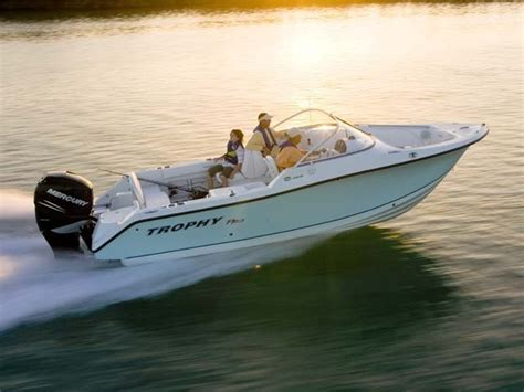 Affordable Bowrider Boats by 1995 Starcraft 17ft Outboard Bowrider Ride Bad
