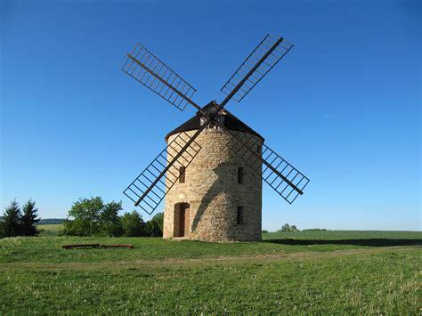 File:Jalubí, větrný mlýn.jpg - Wikipedia