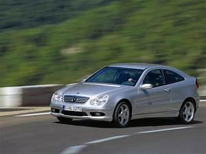 Mercedes Classe C 220 Cdi Coupe Sport : fiche technique mercedes classe c coupe sport 220 cdi 2003 la centrale ~ New.letsfixerimages.club Revue des Voitures