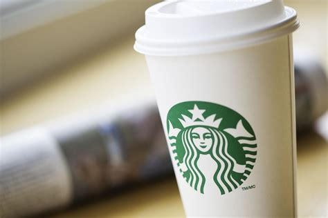 What are the problems with coffee cup sizes. How Many Ounces Are in Starbucks Drink Sizes