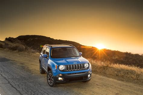Jeep Renegade Backgrounds by 2015 Jeep Renegade Latitude Suv 4x4 Wallpaper 3000x2000