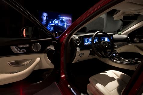 The optional mbux interior assistant allows intuitive, natural operation of various comfort and mbux functions also by movement recognition. Mercedes Cars - News: 2016 Mercedes-Benz E-Class interior revealed!