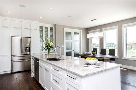 cuisine blanche avec ilot central cuisine cuisine equipee avec ilot central fonctionnalies