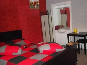 chambre coucher rouge idee de decoration pour chambre a With chambre blanche et rouge