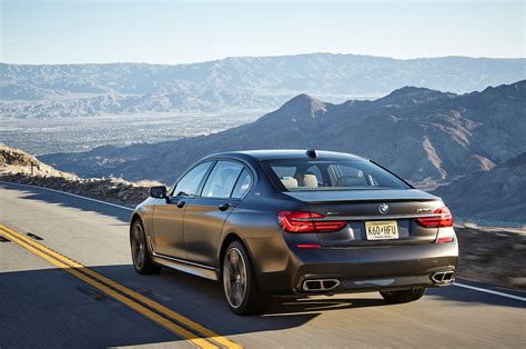 bmw  series reviews  rating motor trend