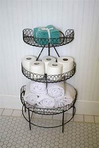 30 amazingly diy small bathroom storage hacks help you for Storing towels in the bathroom