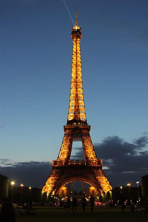 eiffel tower lights eiffel tower bilbyandbear