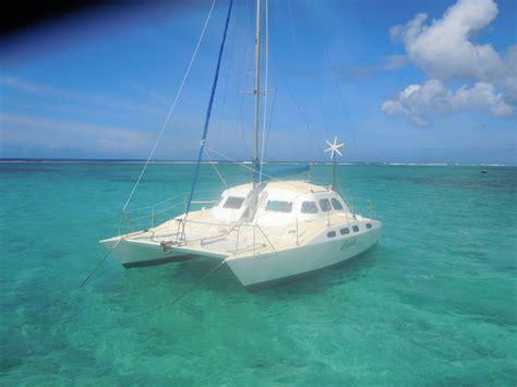 le bureau bruay blue bay avec le bateau totof regards sur l 39 ile maurice