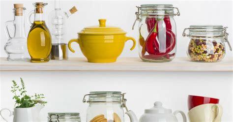 quel est le matériel indispensable dans une cuisine