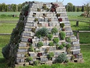 Steine Für Steingarten : steine als nisthilfen steingarten garten pinterest ~ Lizthompson.info Haus und Dekorationen