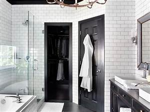 Timeless black and white master bathroom makeover for Black and white bathrooms images