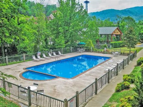 river terrace gatlinburg river terrace resort convention center 65 8 5