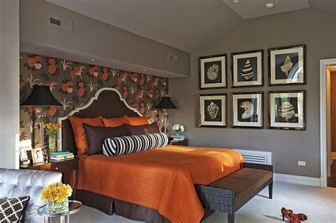how to choose bedding for the guest bedroom must be carefully thought about so as not to clash colors if the walls in the bedroom are painted a pale what colors work well with brown in the bedroom