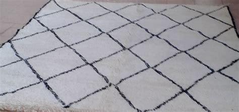 tapis berbere vente tapis berbere laine noir  blanc