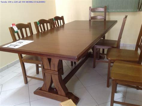 tavoli massello allungabili tavolo allungabile in legno massello con 8 sedie