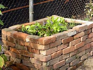 Brick Raised Flower Bed - WoodWorking Projects & Plans