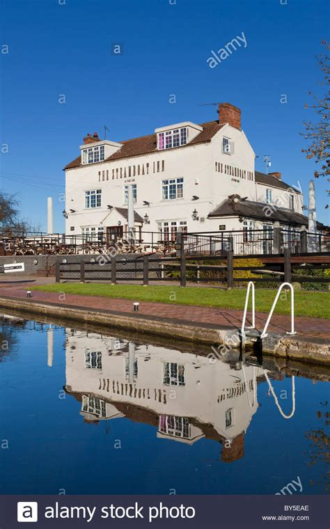 Steamboat Long Eaton by Erewash Canal And Steamboat Pub At Trent Lock Sawley Near