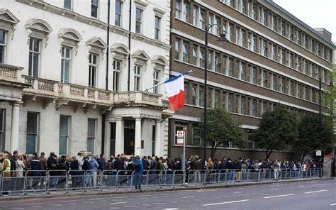 les bureaux de vote chez nos voisins européens de longues files d attente