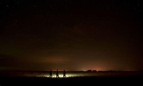 si鑒es sociaux les réseaux sociaux pour communiquer avec les extraterrestres