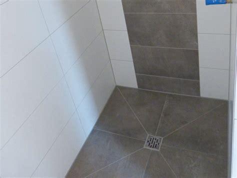 Fliesenlack In Der Dusche by Kw 17 Au 223 Enputz Fliesen Maler Elektro Suckf 252 Ll