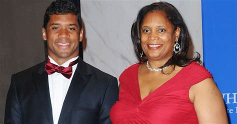 russell wilson  mom  house  mothers day