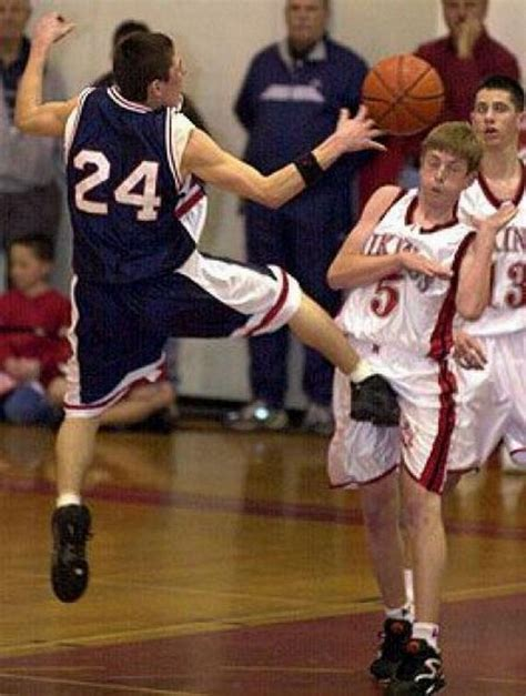 Epic Sports Moments Taken At The Right Time - Barnorama