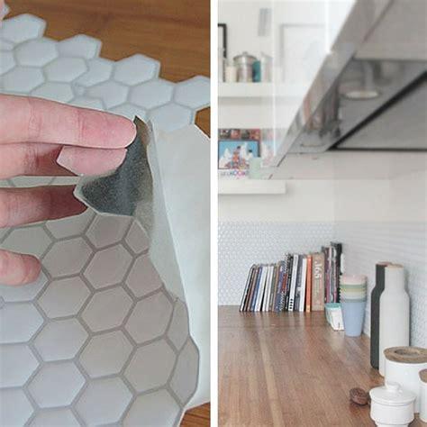 adh駸if carrelage cuisine plaque adhesive pour cuisine maison design bahbe com