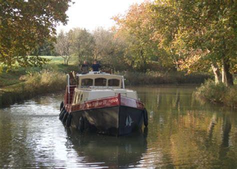 Trimaran Houseboat by Trailerable Power Trimarans Small Trimarans