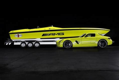 Cigarette Boat Fastest by Cigarette Amg The World S Fastest Electric Boat Wordlesstech