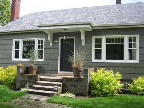 bungalow exterior paint color benjamin moore sharkskin