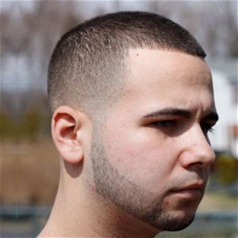 model potongan rambut pria