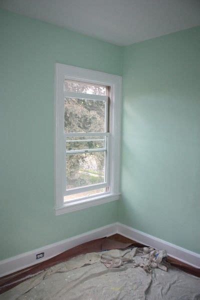 benjamin leisure green wall paint