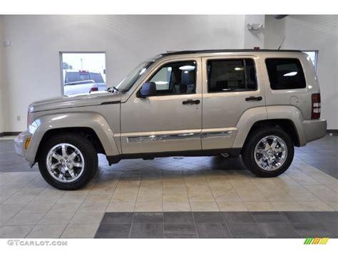 2011 Light Sandstone Metallic Jeep Liberty Limited