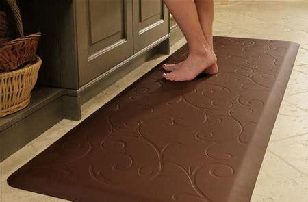 cushioned kitchen floor mat wellness mats cushioned anti fatigue kitchen floor mats 6336