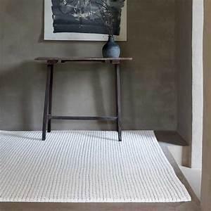 Tapis Laine Blanc : tapis moderne blanc en laine feutr e par ligne pure ~ Melissatoandfro.com Idées de Décoration