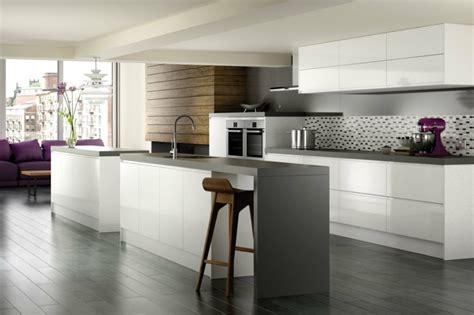 cuisines blanches design cuisine grise moderne astuces et idées déco pour la 2015