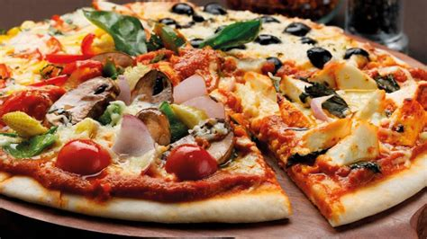 cuisine pizza pirate s pizza food and drink guide antigua barbuda