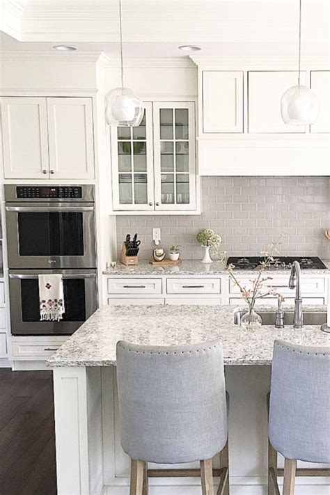 white shaker cabinets with quartz countertops 1426 best decor images on pinterest