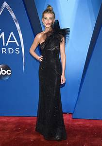 2017 51st Annual CMA Awards – JOI TO THE WORLD