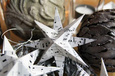 sterne basteln aus buchseiten ganz einfache papiersterne strickpraxis